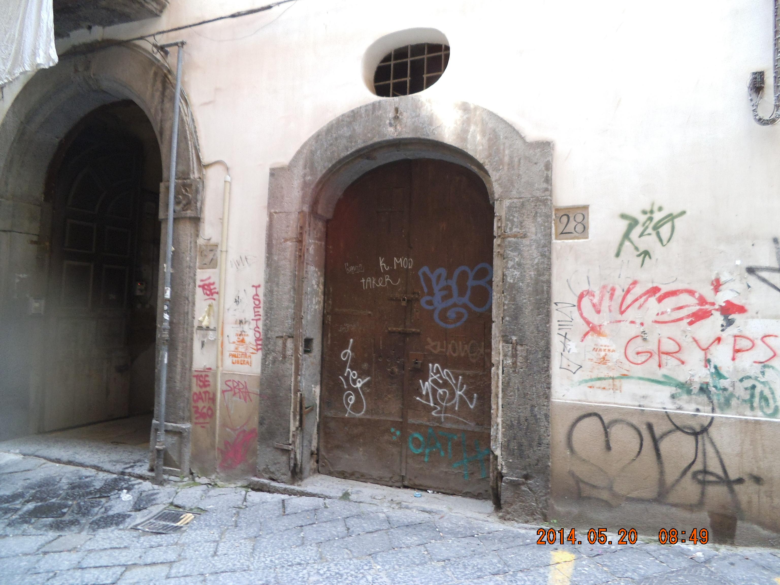 LOCAZIONE DEPOSITO CENTRO DI  NAPOLI